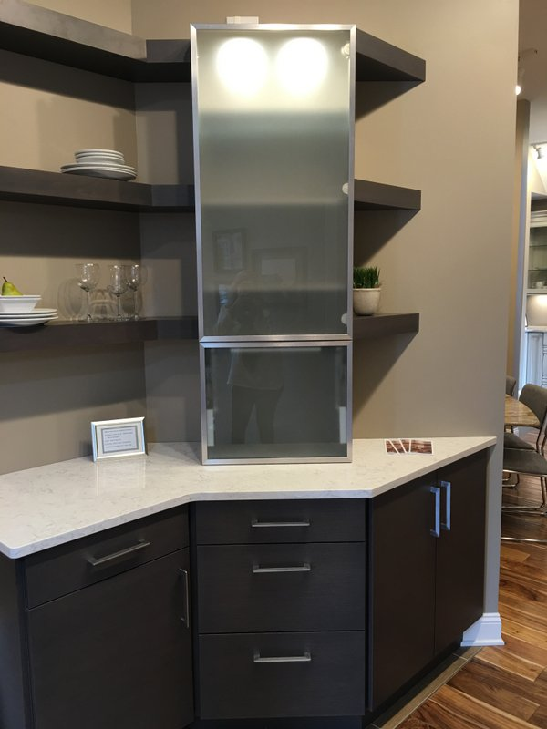 Brookhaven Cabinetry - Viatera Countertop - R. Christensen Hardware