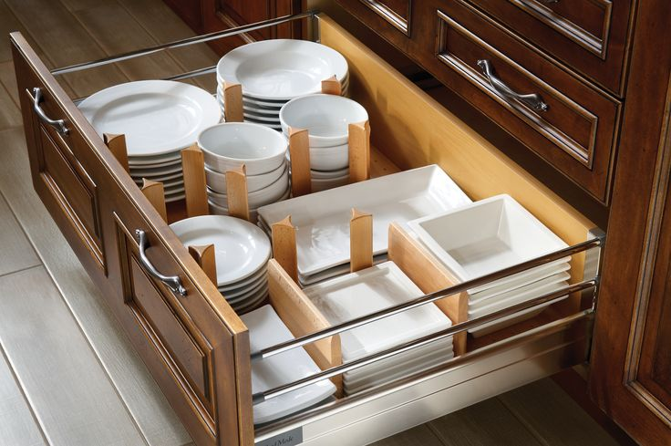 8 Storage and Convenience Features You Can Include in Your Kitchen Cabinetry…
